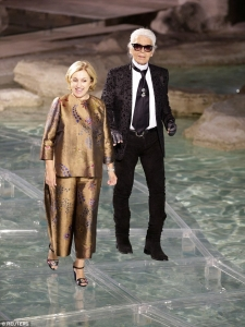 360dbd0500000578-0-the_brains_behind_the_brand_german_designer_karl_lagerfeld_and_s-a-108_1467931152410